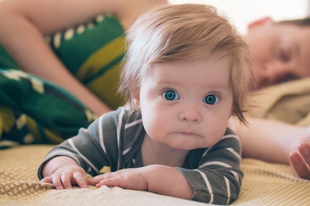 Baby Girl + Dad Lifestyle Photography via Yea Yea Pueblo